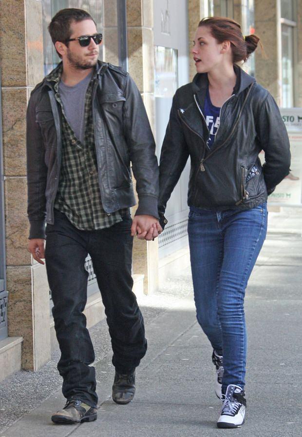 Kristen Stewart, Michael Angarano.