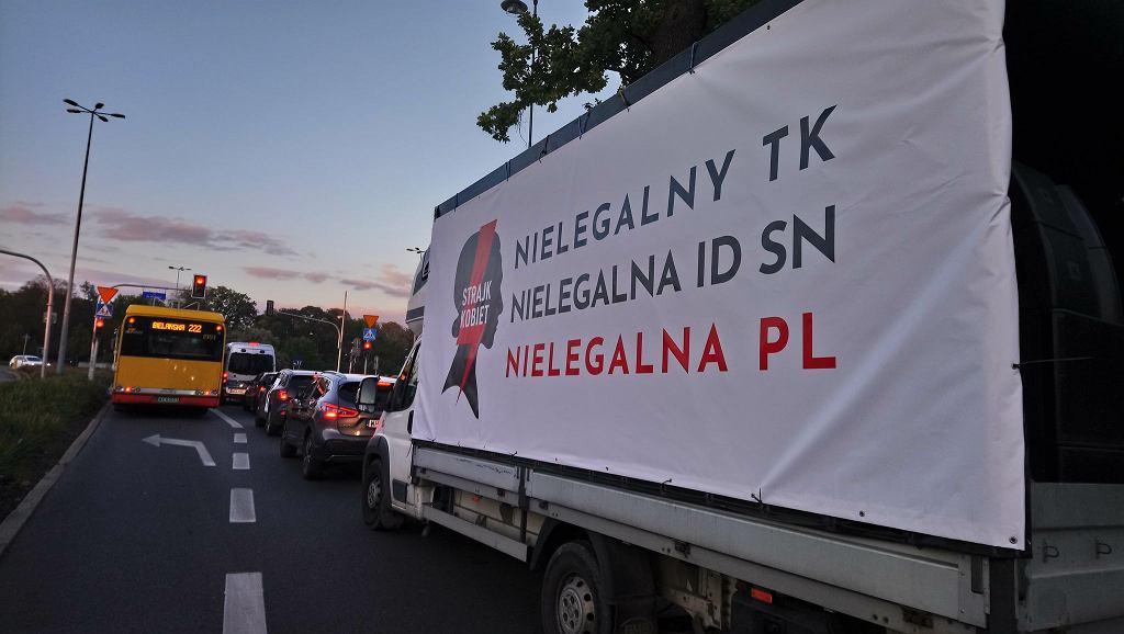 Ostra jazda. Protest w Warszawie.