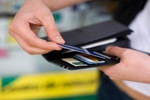 Co z tymi kartami płatniczymi? Federacja Konsumentów ma wiele wątpliwości