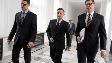 Posłowie będący bohaterami tzw. afery madryckiej po konferencji prasowej w Sejmie