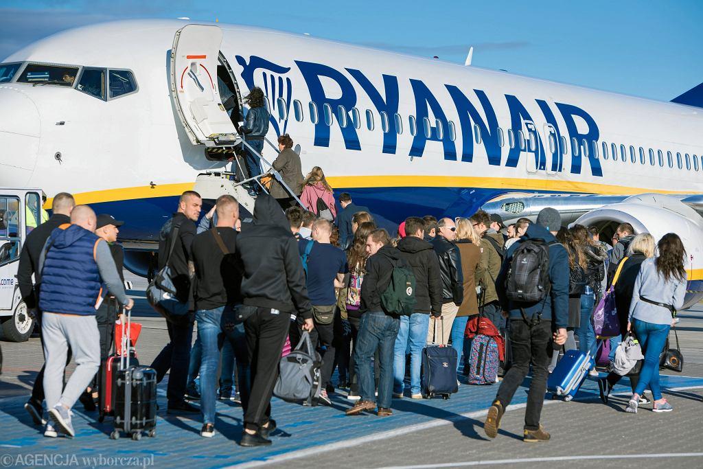 Ryanair rezygnuje z kilku tras.