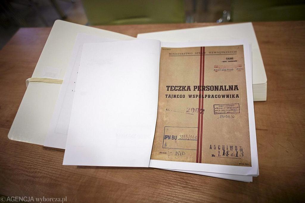 Kopie materiałów z tzw.  'archiwum Kiszczaka ' (fot. Marcin Stępień / Agencja Gazeta)