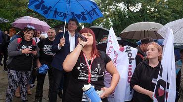Protest antyszczepionkowy w Poznaniu