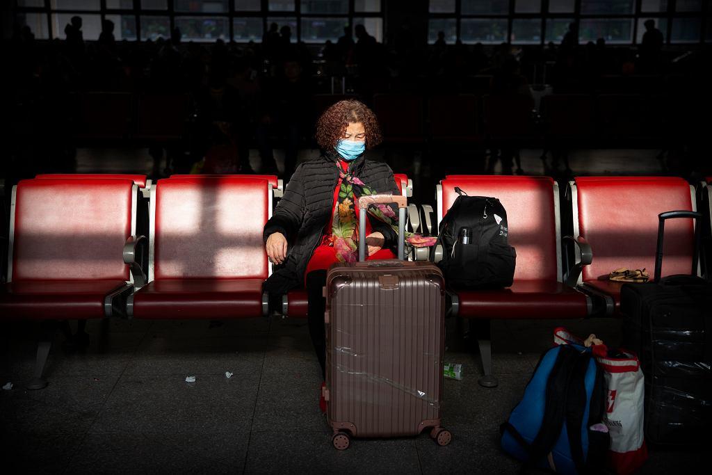 Koronawirus się rozprzestrzenia. Na kolejnych lotniskach wprowadzane są kontrole pasażerów (zdjęcie ilustracyjne)