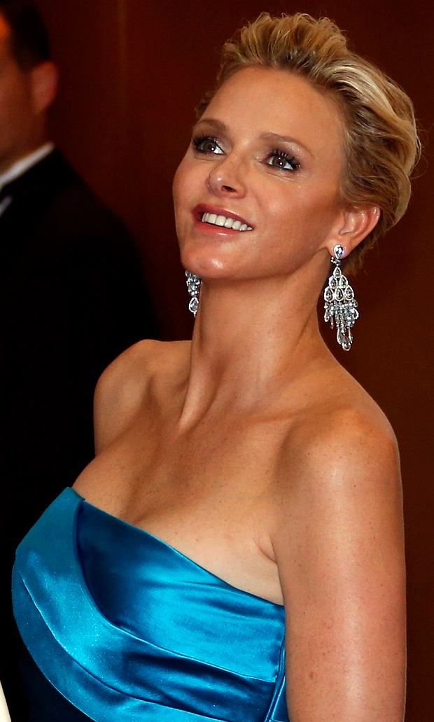Princess Charlene of Monaco arrives to attend the Red Cross Gala in Monte Carlo August 2, 2013. The Red Cross Gala is a traditional and annual charity event in the Principality of Monaco.   REUTERS/Eric Gaillard (MONACO - Tags: ENTERTAINMENT ROYALS)