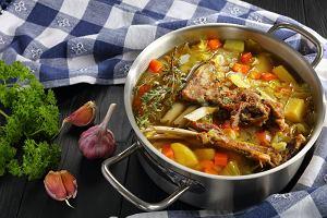 Kapuśniak na żeberkach - klasyk wśród zup