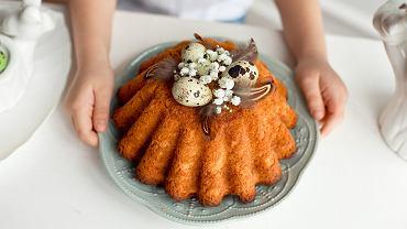 Wielkanoc zbliża się wielkimi krokami. To okazja dla całej rodziny do zebrania się przy stole, by spędzić razem świąteczny czas i zjeść pyszny posiłek.