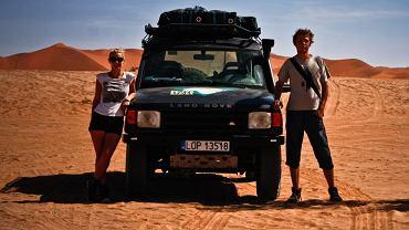 Przez lata podróżowali z plecakami lub lokalnymi środkami transportu. Gdy pojawił się pomysł na wyprawę z Polski do RPA, pierwszy raz ruszyli w podróż własnym samochodem
