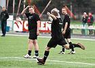 Fotoreporterzy i dziennikarze zagrali dla kontuzjowanej piłkarki [ZDJĘCIA]
