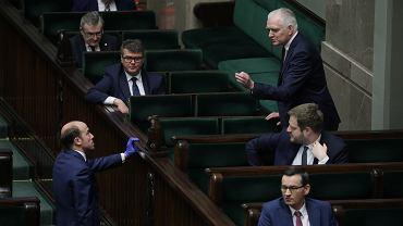 Drugi dzień 8. posiedzenia Sejmu IX kadencji w czasie epidemii koronawirusa