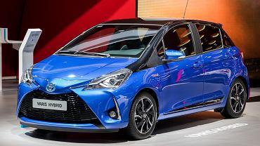 Przedstawicielką małych samochodów jest Toyota Yaris Hybrid. Zdjęcie ilustracyjne, VanderWolf Images/shutterstock.com