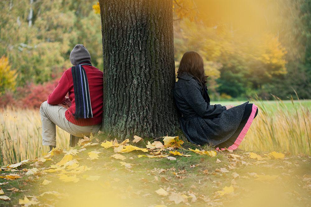 Ela poznała swojego męża w pracy i pomyślała o nim, że jest jak kolorowy ptak (fot. Shutterstock)