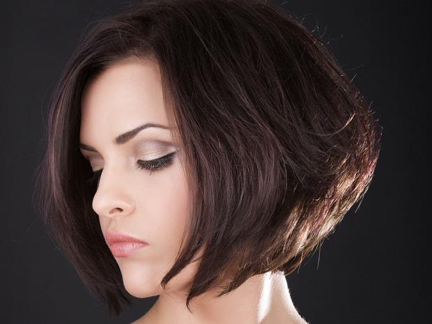 Odmładzające fryzury dla dojrzałych kobiet - bob