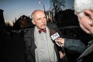 Korwin-Mikke w kwestionariuszu TOK FM: Likwidacja podatku dochodowego, euro w 2222, stop wracającej komunie
