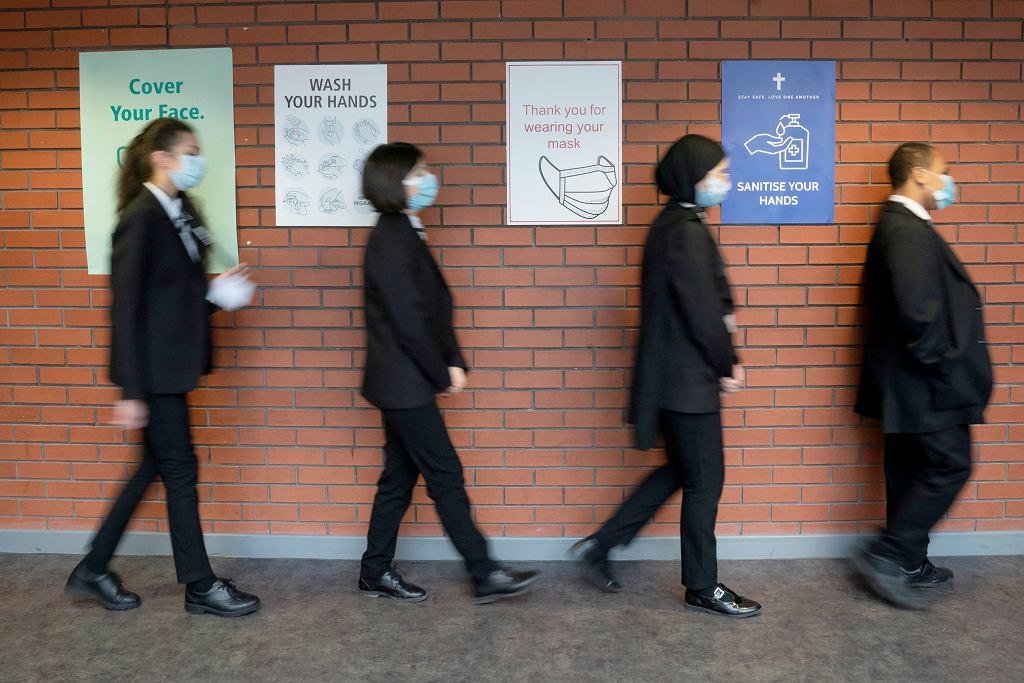 W marcu uczniowie wrócili do szkół
