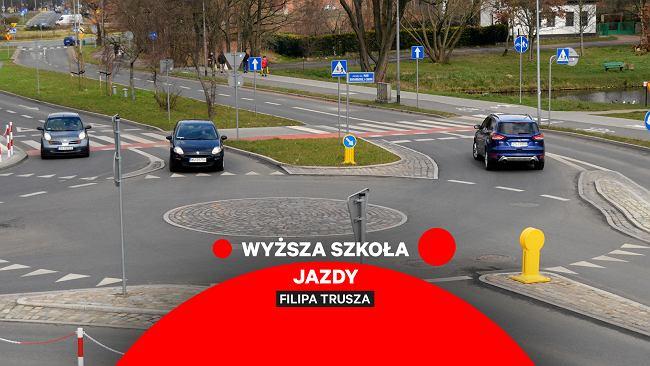 Wyższa Szkoła Jazdy to cykl, w którym Filip Trusz wyjaśnia kontrowersyjne przepisy ruchu drogowego. Ale nie tylko.