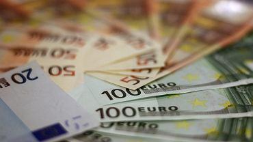 Kursy walut 18.05. Funt wciąż rośnie [Kurs dolara, funta, euro, franka]