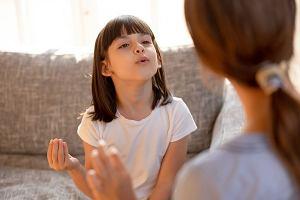 """""""Języczni. Co język robi naszej głowie"""", Jagoda Ratajczak. Francuskie noworodki płaczą po francusku"""