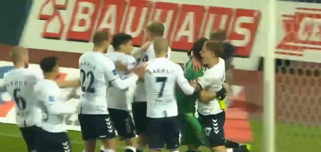 Kamil Grabara bohaterem Aarhus GF
