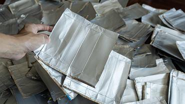 Gdzie wyrzucić karton po mleku? Sprawdź, by lepiej zadbać o środowisko. Zdjęcie ilustracyjne