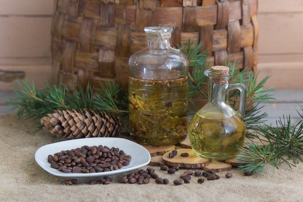 Olejek pichtowy - sprawdź niezwykłą moc jodły syberyjskiej. Zdjęcie ilustracyjne