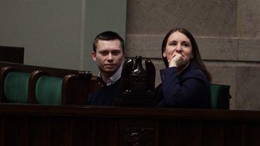 Małżeństwo Elbanowskich na posiedzeniu Sejmu