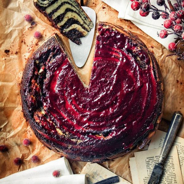 Ciasto makowo-serowe z malinami