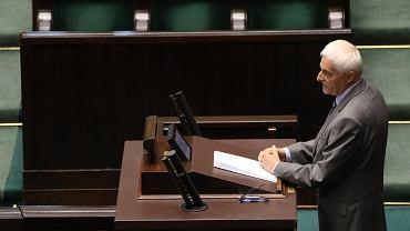 Przewodniczacy KRS Dariusz Zawistowski przemawia podczas 46. posiedzenia Sejmu VIII Kadencji (pierwsze czytanie pisowskiej ustawy ograniczającej niezależność SN)