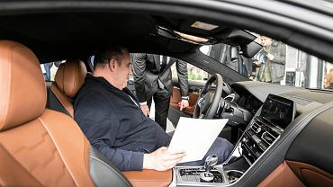 salon BMW, zakup samochodu