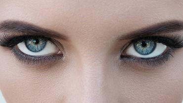 Makijaż powiększający oko. Poznaj najlepsze, sprawdzone triki