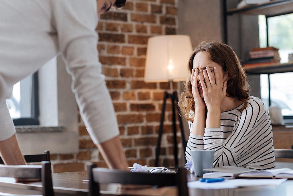 6 niepokojących znaków, które wskazują na to, że tkwisz w toksycznym związku