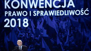 Prezes PiS Jarosław Kaczyński podczas konwencji Prawa i Sprawiedliwości w Szeligach pod Warszawą.
