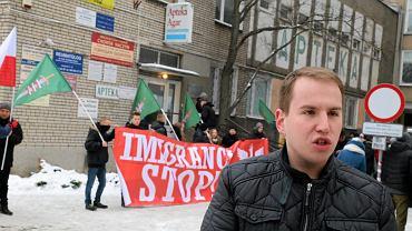 Adam Andruszkiewicz podczas demonstracji w Białymstoku w 2016 r.