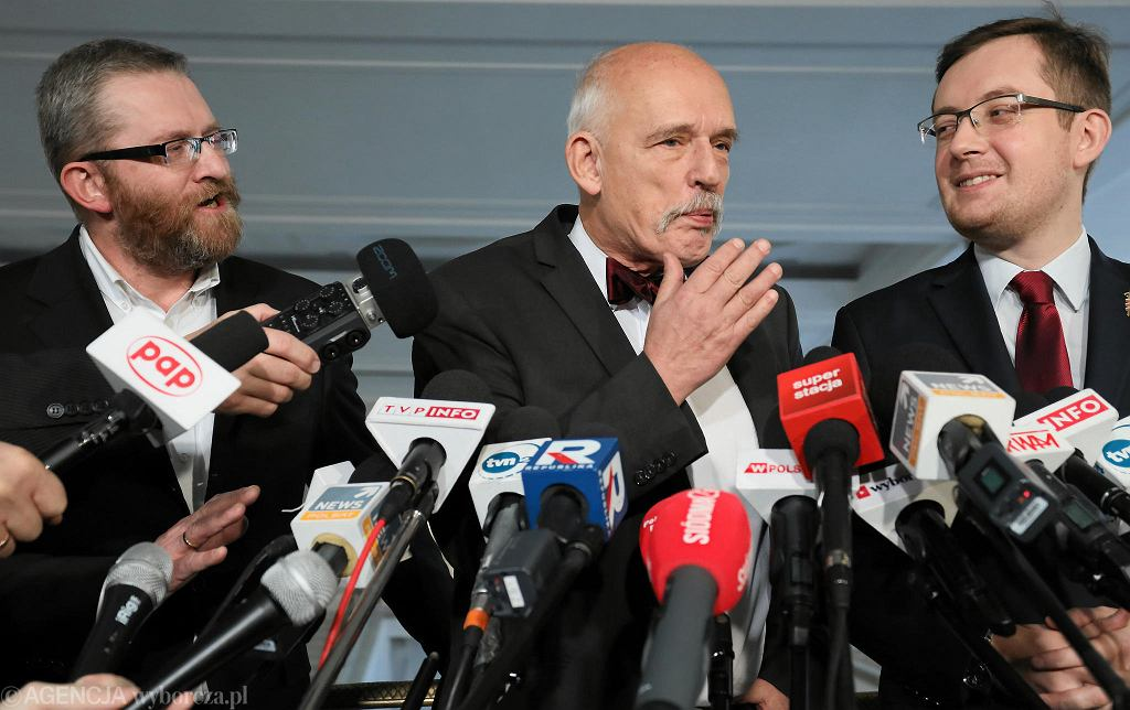 Od lewej: Grzegorz Braun, Janusz Korwin-Mikke i Robert Winnicki ogłaszają koalicję w nadchodzących wyborach do Parlamentu Europejskiego. Warszawa, Sejm, 7 stycznia 2019