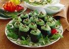 Ogórki faszerowane sosem szpinakowo-majonezowym z kaparami - Zdjęcia