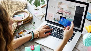 AliExpress, Amazon, Ebay. Jak bezpiecznie robić zakupy przez internet zagranicą?
