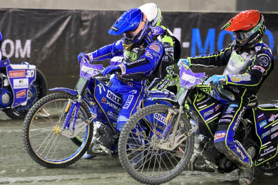 Bartosz Zmarzlik wygrał w sobotni wieczór finałowy turniej Speedway Grand Prix 2021 na toruńskiej Motoarenie, ale nie obronił tytułu mistrza świata. Nowym królem żużla jest Rosjanin Artiom Łaguta