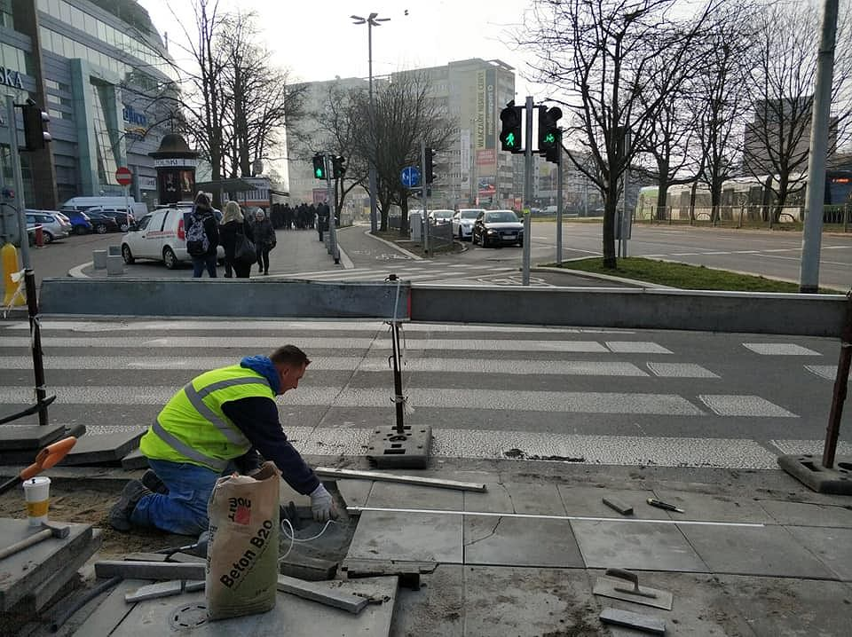 W Szczecinie powstaje przejście dla 'smartfonowych zombie'