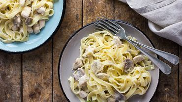 Tagliatelle z kurczakiem jest jedną z podstawowych potraw rodem z Włoch.
