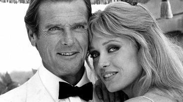 Kadry z filmów z Bondem