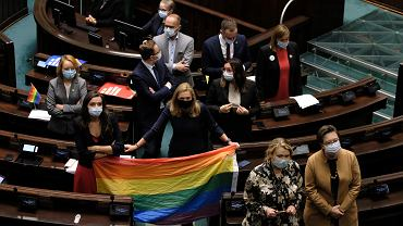 Debata nad projektem 'Stop LGBT'