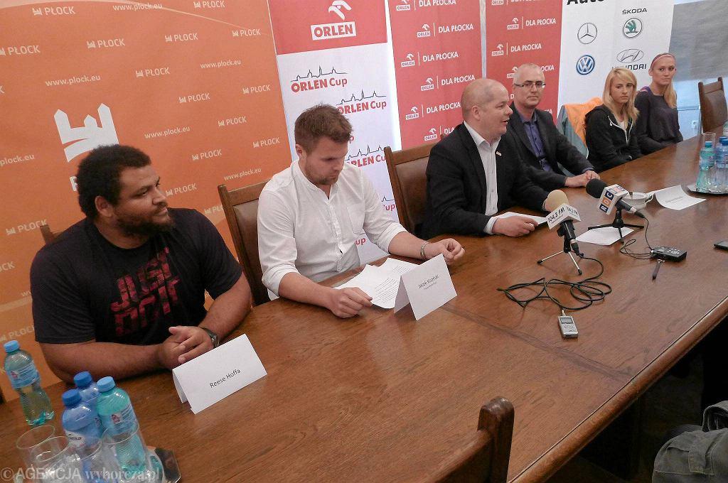Konferencja prasowa przed Orlen Cup. Pierwszy z lewej Amerykanin Reese Hoffa
