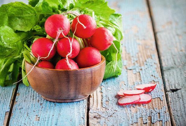 Rzodkiewki - pierwsze wiosenne warzywa