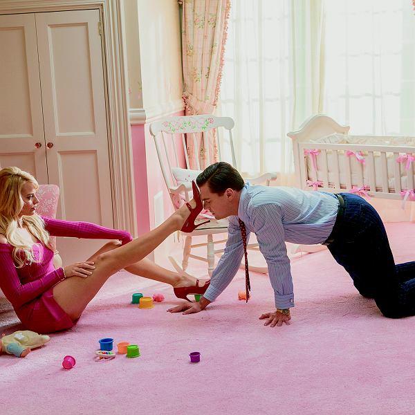 'Wilk z Wall Street' i sposób Naomi: - Dobrze się przyjrzyj. Będziesz to oglądał w swoim domu non stop. Ale zero dotykania. Coś nie tak?