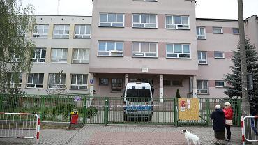 Szkoła SP 195, w której doszło do śmiertelnego ataku nożownika