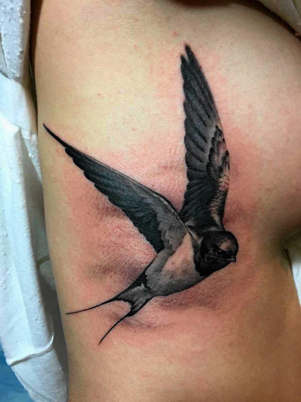 Tatuaż Musi Boleć Czyli Po Co Taka ładna Dziewczyna Się