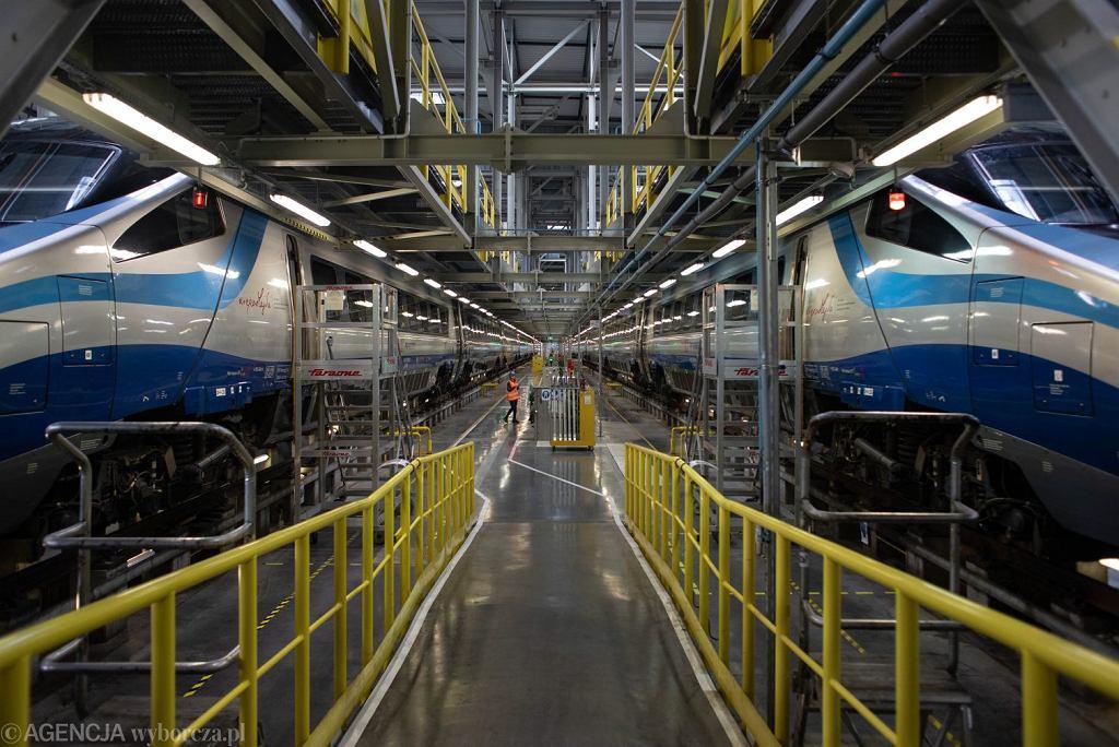Podpisanie umowy na montaż WiFi w pociągach Pendolino