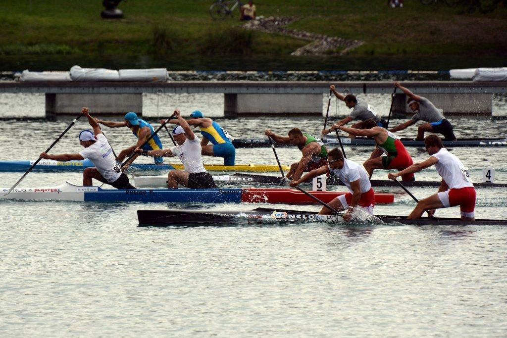 Kanadyjkarze Wiktor Głazunow i Vincent Słomiński ze srebrnym medalem mistrzostw świata w Mediolanie