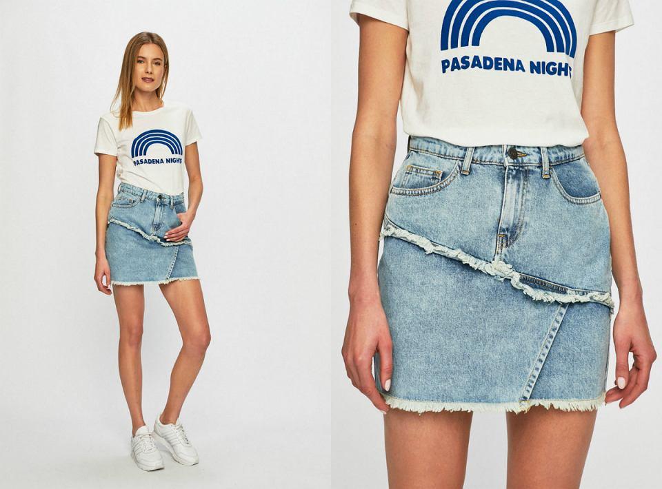 Jeansowa spódnica mini na festiwal