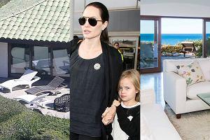 Angelina Jolie złożyła papiery rozwodowe i razem z dziećmi wyprowadziła się do wynajmowanego domu w Malibu, podczas gdy Pitt został w ich rodzinnej posiadłości w Hollywood Hills. Zobaczcie, jak Jolie teraz mieszka.